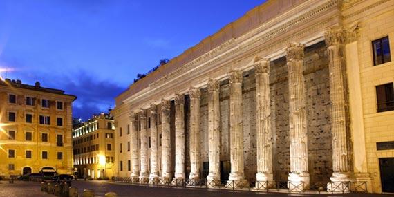 roma_piazza_di_pietra_nightlife