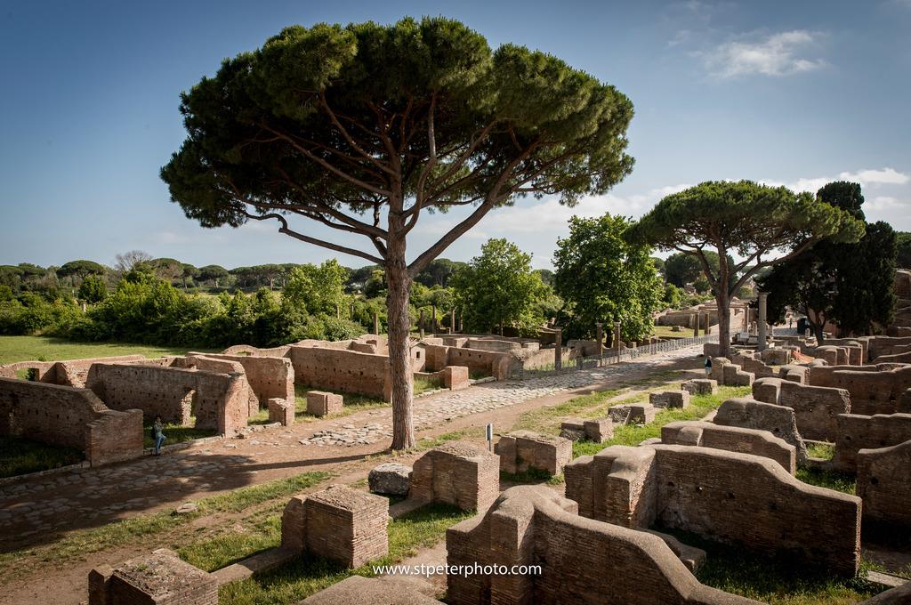 https://www.romelesclefsdor.com/wp-content/uploads/2018/06/Ancient-Ostia-concierge-Clefs-dOr-5.jpg