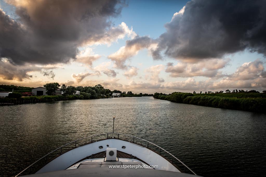 https://www.romelesclefsdor.com/wp-content/uploads/2018/06/Principessa-Yacht-RomeConciergeclefsdor-11.jpg