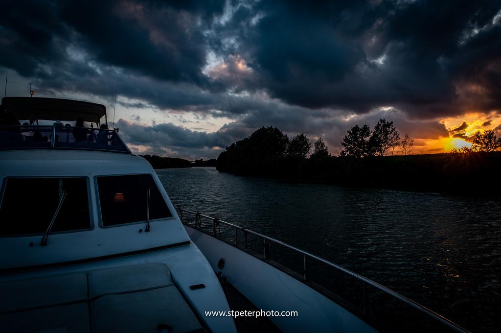 https://www.romelesclefsdor.com/wp-content/uploads/2018/06/Principessa-Yacht-RomeConciergeclefsdor-17.jpg